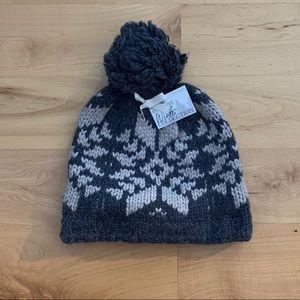 Pom knit winter hat NWT